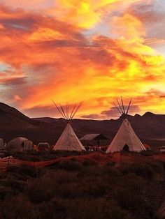 native american indian teepees <3