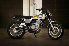 Custom Yamaha SR400 Yard Built Pictures