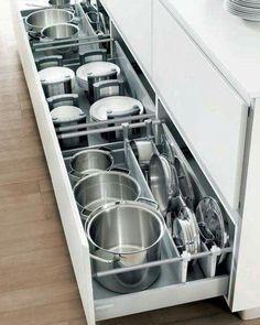 Diy Kitchen Storage, Kitchen Drawers, Kitchen Organization, Kitchen Cabinets, New Kitchen, Kitchen Decor, Kitchen Ideas, Studio Kitchen, Decorating Kitchen