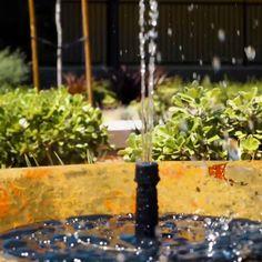 Garden Junk, Garden Art, Outdoor Landscaping, Front Yard Landscaping, Small Gardens, Outdoor Gardens, Hydroponic Gardening, Vegetable Gardening, Garden Ornaments