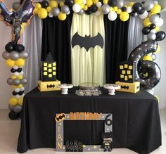 Batman birthday party - Batman Party - Ideas of Batman Party - Batman birthday party Lego Batman Party, Batman Party Foods, Batman Birthday Cakes, Superhero Birthday Party, 6th Birthday Parties, 4th Birthday, Ninja Party, Batman Party Decorations, Birthday Party Decorations