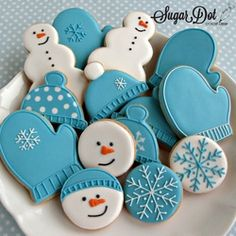 Cookie Decorating Party - Sugar Cookies with Royal Icing We'll be decoratin.- Cookie Decorating Party – Sugar Cookies with Royal Icing We'll be decorating snowmen, snowflakes, hats, and mittens this month. Cookies Cupcake, Easy Sugar Cookies, Christmas Sugar Cookies, Iced Cookies, Christmas Sweets, Christmas Cooking, Royal Icing Cookies, Sugar Cookies Recipe, Cookies Et Biscuits