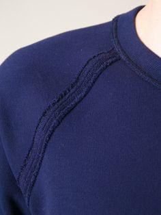 sweatshirt detail - Google zoeken Polo T Shirts, Facon, Fashion Labels, Sweat Shirt, Fashion Details, Lounge Wear, Knitwear, Sportswear, Men's T Shirts