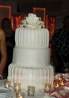 Nellichen und die Törtchen: Dreistöckige Hochzeitstorte