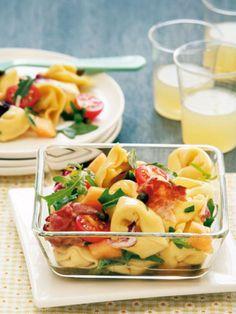 Tortellini-Salat: http://kochen.gofeminin.de/rezepte/rezept_tortellini-salat_228552.aspx #nudelsalat