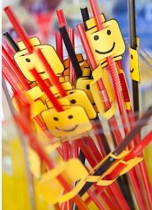 Super easy and fun party decoration. #LegoDuploParty