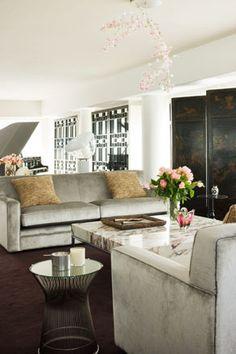 Blossom chandelier . Interior David Hicks.