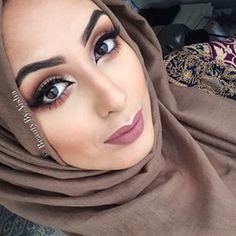 Huda Kattan @hudabeauty Instagram photos | Websta (Webstagram)