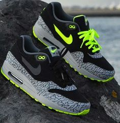 new york ac7dd ce934 Air Max 1, Nike Air Max, Lps, Formateurs, Coups De Pied,