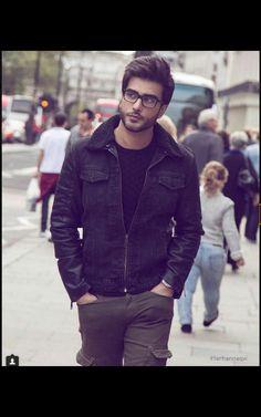 Imran Abbas ( 21.7.18 Arab Men Fashion, Boy Fashion, Mens Fashion, Pakistani Models, Pakistani Actress, Mens Dress Outfits, Men Dress, Baggy Dresses, Handsome Celebrities
