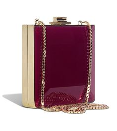 Beautiful Salvatore Ferragamo deep red clutch. A perfect colour for those cold Autumn nights. Find similar styles at www.swayy.com.au