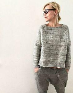 Christmas Knitting Patterns, Sweater Knitting Patterns, Purl Stitch, Lang Yarns, Dress Gloves, Arm Knitting, Yarn Brands, Stockinette, Knitwear