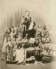 les-sources-du-nil: Gus White by E. Osermann (More about the story of Gus White and his puppets here) Old Pictures, Old Photos, Vintage Photos, Puppetry Theatre, James Ensor, Sideshow Freaks, Punch And Judy, Toy Theatre, Marionette Puppet