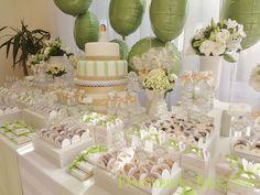 Festas Infantis Personalizadas, tais como Chá de Bebê, Cenário Maternidade, Batizado e Aniversários. Cursos de Decoração de Festa Infantil