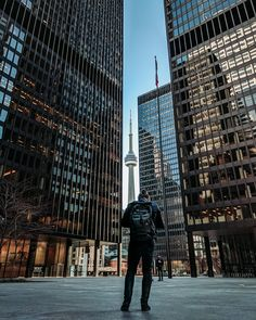 ITAP of downtown toronto by cptn_insane-o . Toronto Street, Downtown Toronto, Downtown Photography, Street Photography, Wallpaper Toronto, Toronto Pictures, Canada, University Of Toronto, Places Of Interest