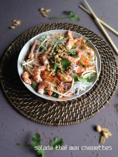 Salade thaï aux crevettes Japchae, Entrees, Chicken, Cooking, Ethnic Recipes, Macarons, Food, Chinese Salad, Cooking Recipes