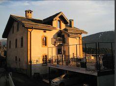 Le Portail http://www.trouverunechambredhote.com/ a le plaisir de vous présenter un nouveau Partenaire avec une Maison d'Hôtes de Charme « LA GRANDE MAISON » à SAVIESE dans le Canton du VALAIS en SUISSE. Coordonnées :  Monsieur SIGGEN Pascal Rte du Sanetsch 13 - 1965 Savièse SUISSE Tél. fixe : +41273953570   Email : contact@lagrandemaison.ch Site internet : www.lagrandemaison.ch http://www.trouverunechambredhote.com/fiche.php?aid=748