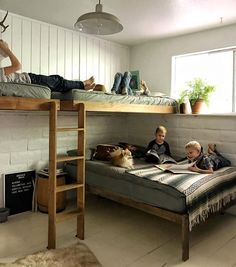 Bunk Bed for Kids Ideas - One of the main reasons why you want to have some bunk bed for kids ideas is because you want to make the room more spacious. Bunk beds are the perfect solution for your kids' bedroom who only has limited space. Bunk Bed Rooms, Cool Bunk Beds, Bunk Beds With Stairs, Kids Bunk Beds, Boys Bunk Bed Room Ideas, Bunk Bed Ideas For Small Rooms, Boys Shared Bedroom Ideas, Lofted Beds, Small Bedrooms