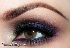 Maquillaje de noche con sombra purpura