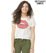 Lips Cropped Graphic T - Aéropostale®