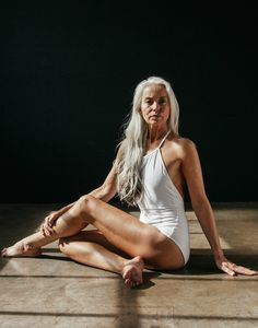 Yasmina Rossi: Mit Falten im Bikini Style Funky, Grey Style, Yasmina Rossi, Beautiful Old Woman, Looks Plus Size, Ageless Beauty, Old Models, Female Models, Aging Gracefully