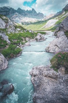 Wandern in Flims – 7 Highlights im schönsten Gebiet der Schweiz Asia Travel, Solo Travel, Travel Usa, Wonderful Places, Beautiful Places, Places To Travel, Travel Destinations, Places In Switzerland, Nature Photography