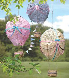 diy doily hot air balloons.