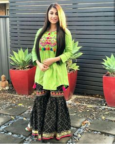 Pakistani Dress Design, Pakistani Dresses, Asian Fashion, Girl Fashion, Patiyala Dress, Short Frocks, Frock Design, Designer Dresses, Designer Kurtis