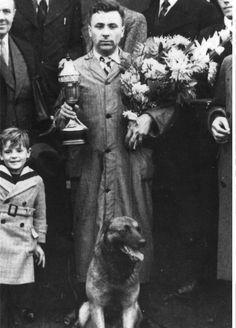 SNAP VAN DE MOLENBEEK (m) 1937  LOSH 89871  à Monsieur Verlinde  Ch de Belgique Ring 1941-1942-1943