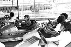Arnaldo Fiaschi/Estadão - Criançasno carrinhobate-bate noPlaycenterem foto de 1974