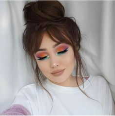 Spring Makeup Looks You Need To Try In Spring Makeup; Makeup Looks; Spring Makeup Looks; Glam Makeup, Cute Makeup, Pretty Makeup, Hair Makeup, Simple Makeup, Perfect Makeup, Formal Makeup, Glamorous Makeup, Makeup Hairstyle