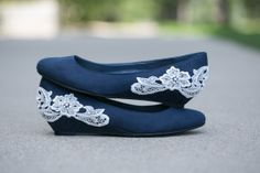 navy flats, beautiful!  Purple or gold would look great too...for you and the other girls!