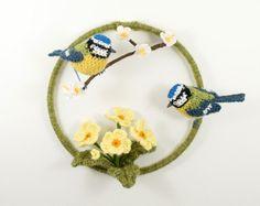 Bluetits en Primula - haak fibre kunst foto van Britse voorjaar
