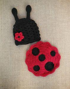 Newborn LadyBug outfit ladybug photo prop crochet baby Crochet Ladybug, Crochet Bebe, Hand Crochet, Baby Halloween Costumes, Infant Halloween, Crochet Princess, Baby Ladybug, Crochet Costumes, Crochet Photo Props