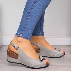 Women Peep Toe Buckle Strap Wedge Sandals – Mensootd Source by sandals Platform Wedge Sandals, Wedge Heels, Pumps Heels, Leather Fashion, Fashion Shoes, Brown Fashion, Emo Fashion, Fashion 2020, Peep Toe