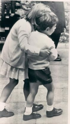 john f. kennedy jr. and his protective big sister, caroline...there's nothing like a brother sister relationship, built in best friends <3