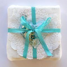 Cute gift-wrapping idea for Mother's Day, baby showers or bridal showers