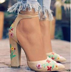 Drop shipping gladiator ladies chunky high heels embroidery decor lace up women pumps shoes woman wedding sandals zapatos mujer – 123 Mart Shop Ankle Strap High Heels, High Heel Pumps, Women's Pumps, Pump Shoes, Stilettos, Shoes High Heels, Ankle Straps, Stiletto Heels, Lace Up Heels