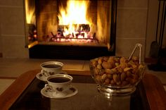 Koffie and nuts at the fireplace #cozy