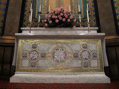 The altar at St. Church Building, Lutheran, Altar, Baltimore, Mosaics, Tiffany, Decorative Boxes, Home Decor, Homemade Home Decor