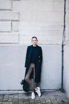 How to wear: the leopard trousers - Creators of Desire Leopard Pants, Leopard Dress, Soft Grunge, What To Wear Today, How To Wear, Alternative Rock, Animal Print Jeans, Indie, Hipster