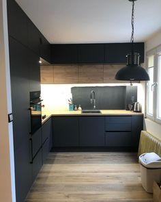 Klika ujęć z dzisiejszego montażu😊. Brawo Paweł i Karol za świetną prace i precyzyjne wykonanie 👏💪. Siła tkwi w szczegółach #kadawnetrza #realizacja #mebli #meble #montaż #mebleniedlakazdego #kuchnia #meblekuchenne #meblenawymiar #meblekuchennenawymiar #kichen #kitchenfurniture #furniture #kitchendesign #design #interior #interiordesign #projektowaniewnetrz #projekt #project #möbel #küchenmöbel #montage #lubuskie #zielonagora #antracyt @frontpol @niemannpolska @blumpolska @festool… Mr Sinister Marvel, Küchen Design, Kitchen Cabinets, New Homes, Interiors, Home Decor, Home, Kitchens, Kitchen Black