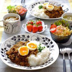 K Food, Food Platters, Breakfast Lunch Dinner, Asian Cooking, Aesthetic Food, Food Presentation, Food Preparation, Japanese Food, Food Photo