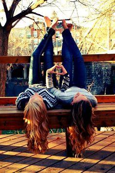 Type Of BFF Are You? Type Of BFF Are You?Type Of BFF Are You? Bff Pics, Sister Photos, Cute Sister Pictures, Cute Photos, Fall Photos, Best Friends Shoot, Cute Friends, Photoshoot Ideas For Best Friends, Girls Photoshoot Ideas