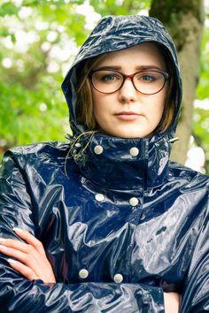 Vinyl Raincoat, Pvc Raincoat, Rain Bonnet, Shiny Happy People, Latex Wear, Green Raincoat, Rubber Raincoats, Rain Wear, Hoods