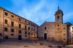 http://www.hotelsinmarche.com/recanati  #Recanati , sulla sinistra Palazzo #Leopardi di Alessandro Argentieri da Flickr