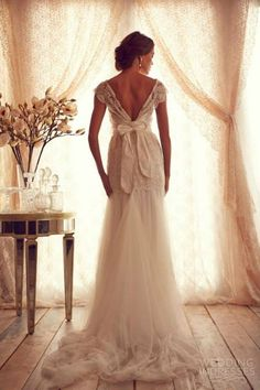 anna campbell 2013 cap sleeves deep lace v back wedding dress