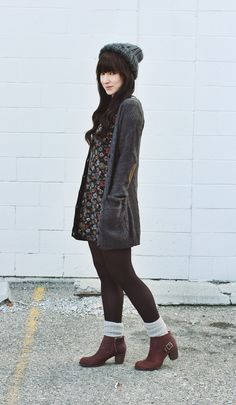 Cozy look for fall on thefoxandfern.com featuring Cat Footwear