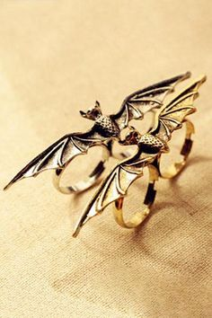 I found 'Goth Punk Retro Bat Ring' on Wish, check it out! Vintage Gothic, Vintage Men, Bronze Ring, Double Ring, Aliexpress, Bat Wings, Punk Fashion, Jewelry Stores, Jewelry Accessories