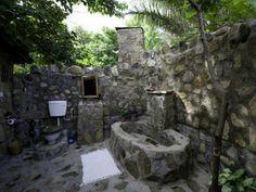 A'Pallota: ***Un baño en la selva***